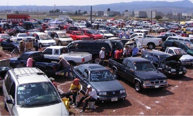 Operan en Tulancingo lotes infomales de autos