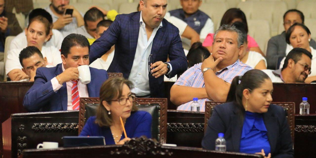 Canek Vázquez, diputado más faltista