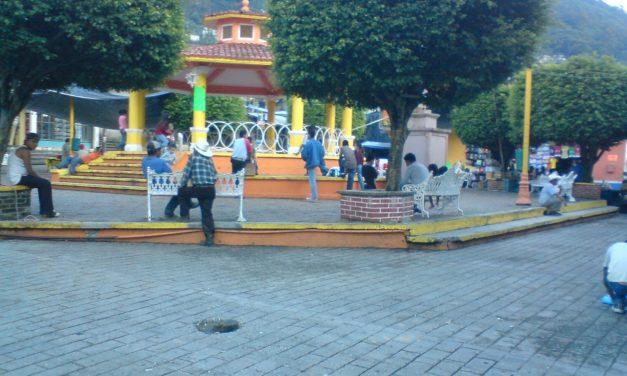 Cuestionan pobladores presencia de pareja en Chapulhuacán