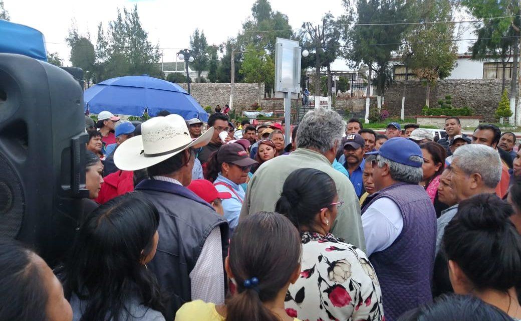 Comerciantes se manifiestan en Mineral de la Reforma