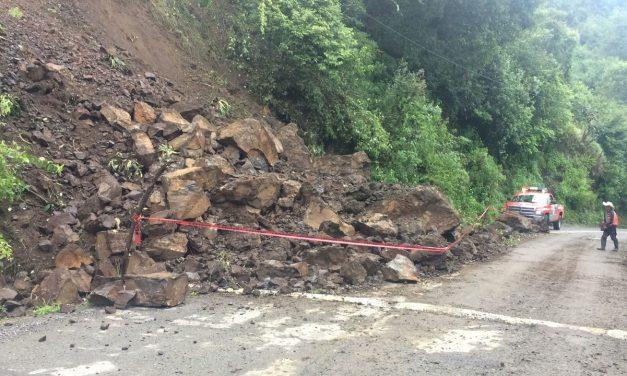 Atiende Obras Públicas derrumbe en Xochicoatlán