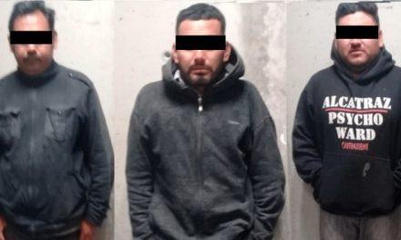 Detienen a 5 personas por presunta portación de droga