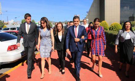 Diputados del PRI se manifiestan contra el nuevo vocero del Congreso