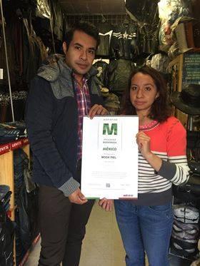 Entregan Distintivo M a comercio de Villa de Tezontepec