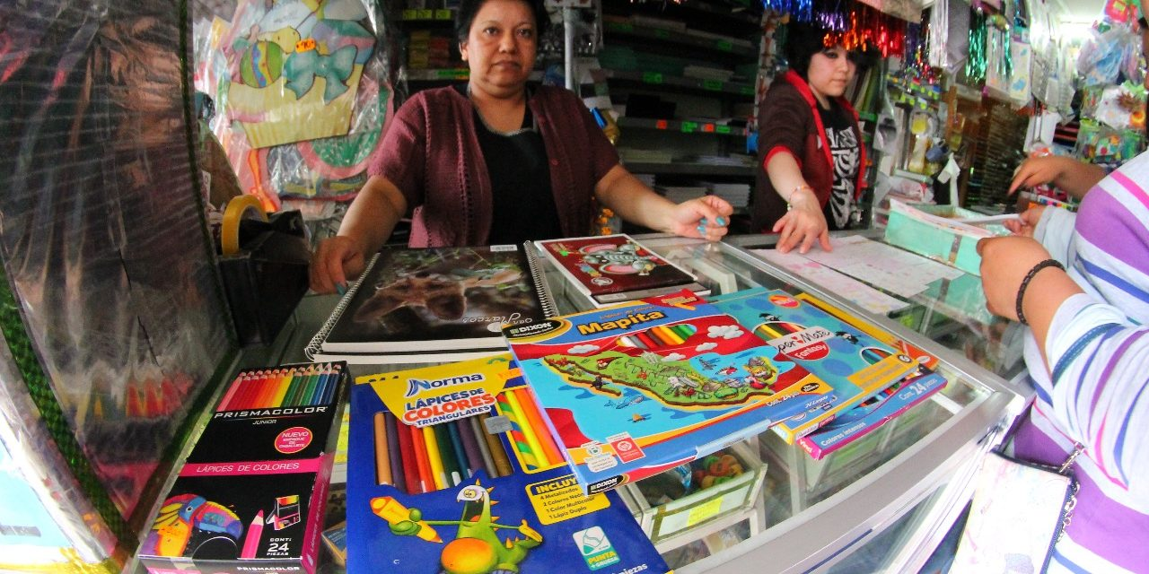 Materiales escolares han aumentado, coinciden madres de familia
