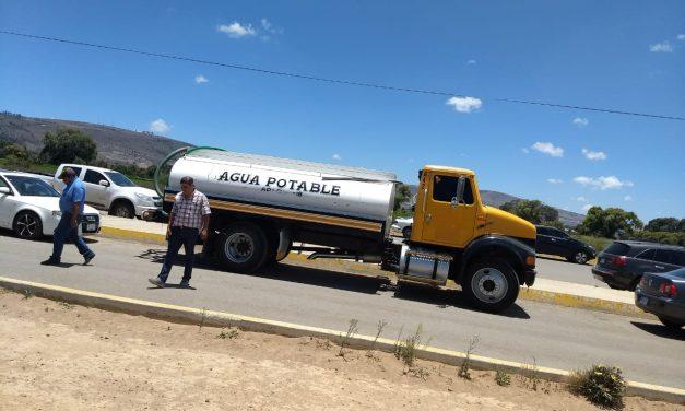 Inspeccionan pipas de agua potable en Tulancingo