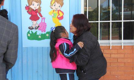 Sin déficit de docentes iniciará ciclo escolar