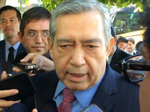 Simón Vargas será el primer secretario en comparecer ante el Congreso
