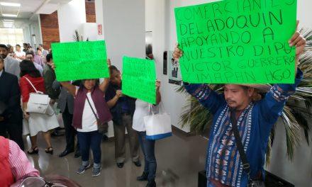 Comerciantes de Zimapán se manifiestan en contra del ayuntamiento