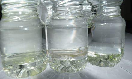 Ayuntamiento de Tepeapulco reparte agua «verdosa» en eventos