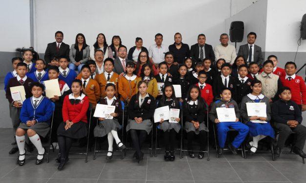 CDHEH entrega constituciones a niños de Tolcayuca