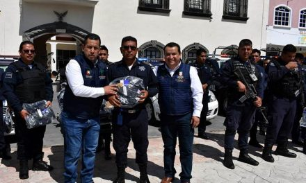 Policía Municipal de Zapotlán recibe equipamiento