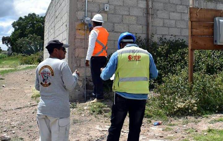Concluyen ampliación de electrificación en colonia Obrera de Acayuca