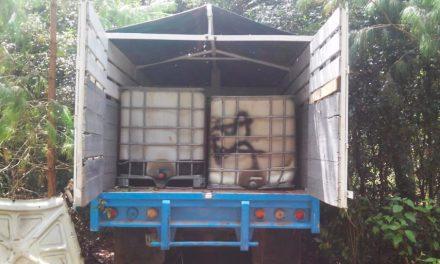 Aseguran escondite con vehículos e hidrocarburo en Singuilucan