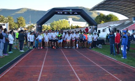 Realizan carrera Maratec