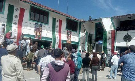 Pobladores de Metepec queman a presuntos «robachicos»