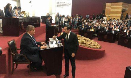 Buscará Vizzuett recuperar diputación dentro del Congreso