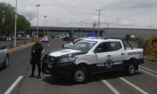 Por ignorar un alto disparan a camioneta donde viajaba el alcalde de Acatlán
