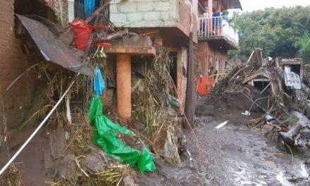 Tromba en Peribán, Michoacán, causa desbordamiento de río