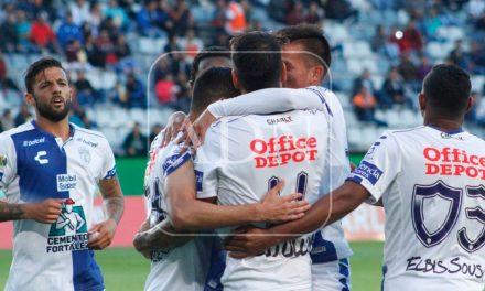 Con triplete de Ulloa, Tuzos avanzan en Copa