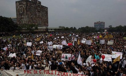 Estudiantes mantienen paros y marchan para pedir paz