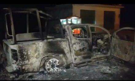 Pobladores quemaron 3 patrullas en Tepeji