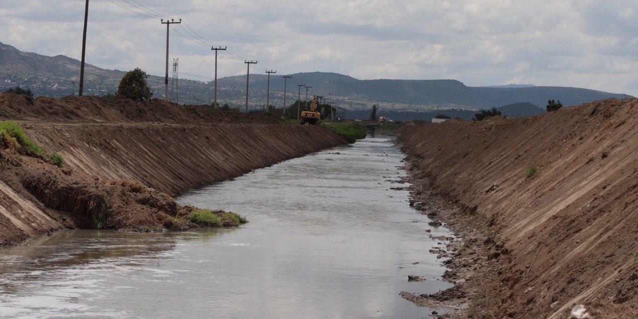 Realizan trabajos de desasolve en Río de las Avenidas