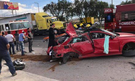 Fallecen 2 en accidente automovilístico