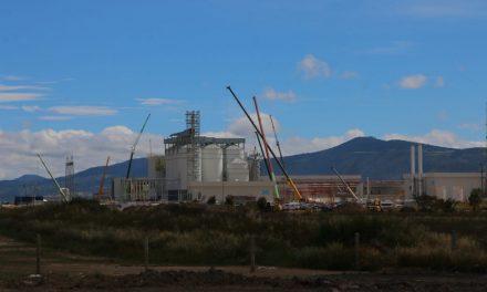 Grupo modelo lleva avance de 70% en instalación de planta cervecera
