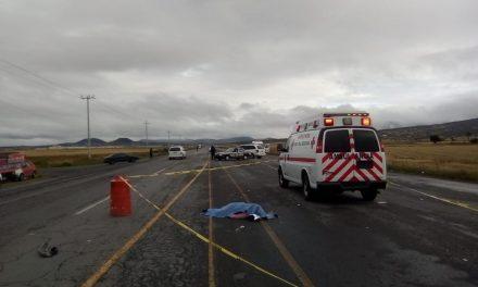 Accidente entre motocicleta y taxi deja un muerto