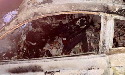 Encuentran a dos calcinados en vehículo en Cuautepec