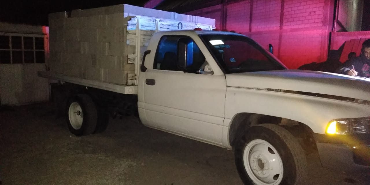 Aseguran camioneta con camuflaje de ladrillos