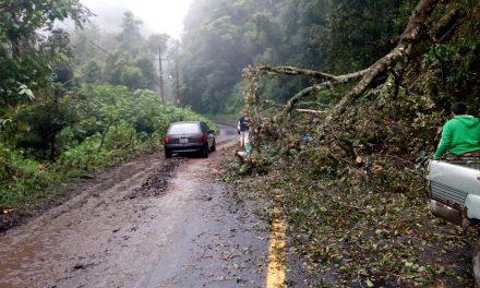 Reportan deslave en Molango