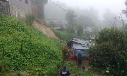 Dos lesionados por derrumbe en Zacualtipán