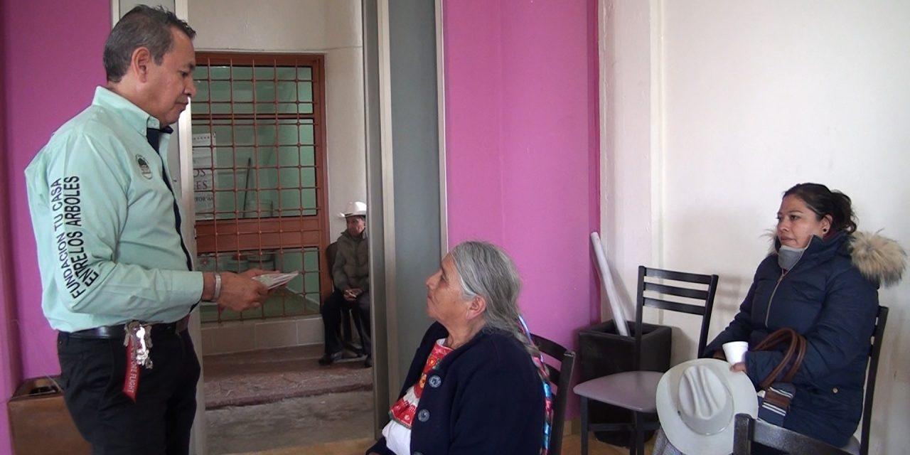 Entregan aparatos auditivos en Mineral de la Reforma