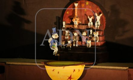 Títeres dieron vida a la obra «Poplo vendedor de ilusiones»
