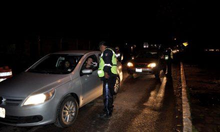 Más de mil automovilistas sancionados por usar celular mientras manejan, en Tulancingo