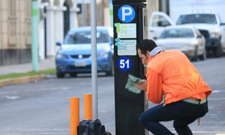 Ciudadanos acusan multas injustificadas en parquímetros