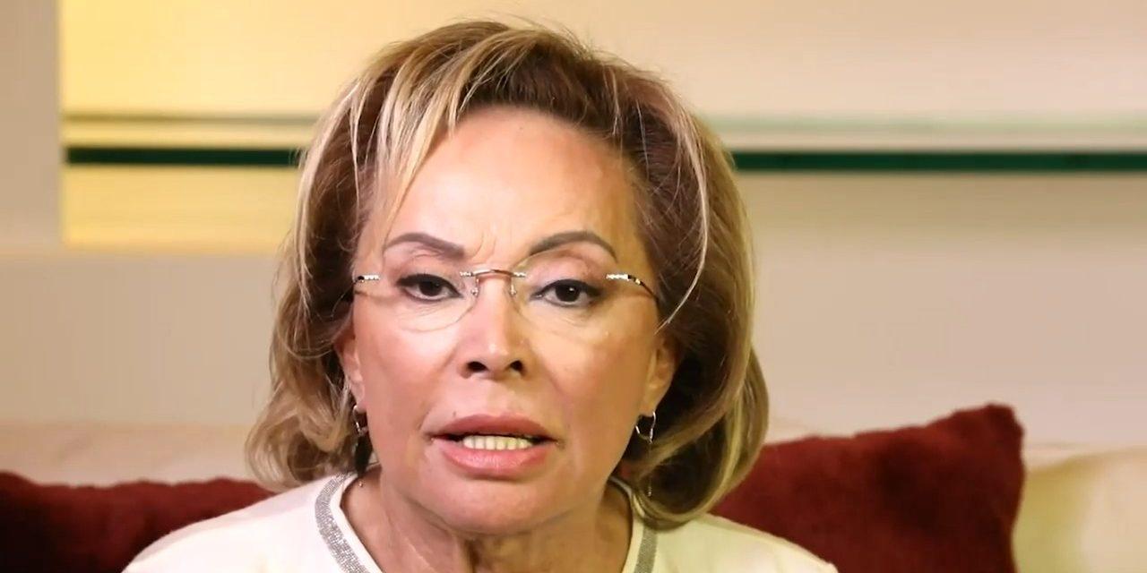 Reaparece Elba Esther; va por el SNTE