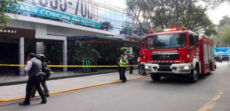 Dos heridos por explosión en cafetería en Lomas de Chapultepec