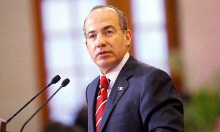 Considera Calderón crear nuevo partido político
