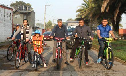 Entregan bicicletas a 264 estudiantes de primaria de Tizayuca