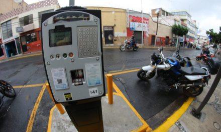 Continúa rechazo a parquímetros en centro de Pachuca