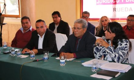 Docentes de Hidalgo respaldan denuncia contra dirigente del SNTE
