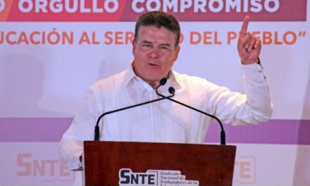 Pide licencia Juan Díaz de la Torre a la dirigencia del SNTE
