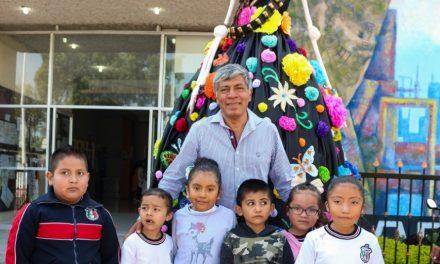 Madres de familia crean una catrina de 3 metros de altura