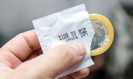 Cada vez más jóvenes optan por uso del condón