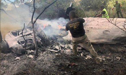 Cae avioneta en Atizapán; hay dos muertos