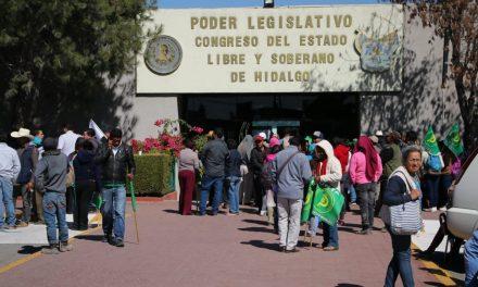 La UNTA se manifiesta en el congreso por recortes a programas del campo