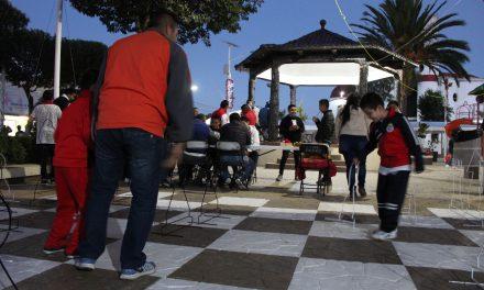 Para ayudar a desarrollar intelecto de infantes ofrecen cursos de ajedrez